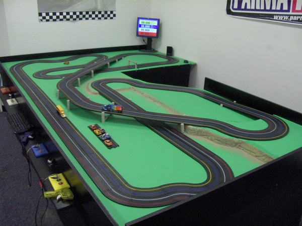 HO Set Review as well Catalogue as well Pelicanparkspeedway besides Famous North American Racing Circuits In Miniature additionally Showthread. on home slot car tracks